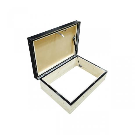Taklucka/uppstigningslucka för papptak 600x900 mm
